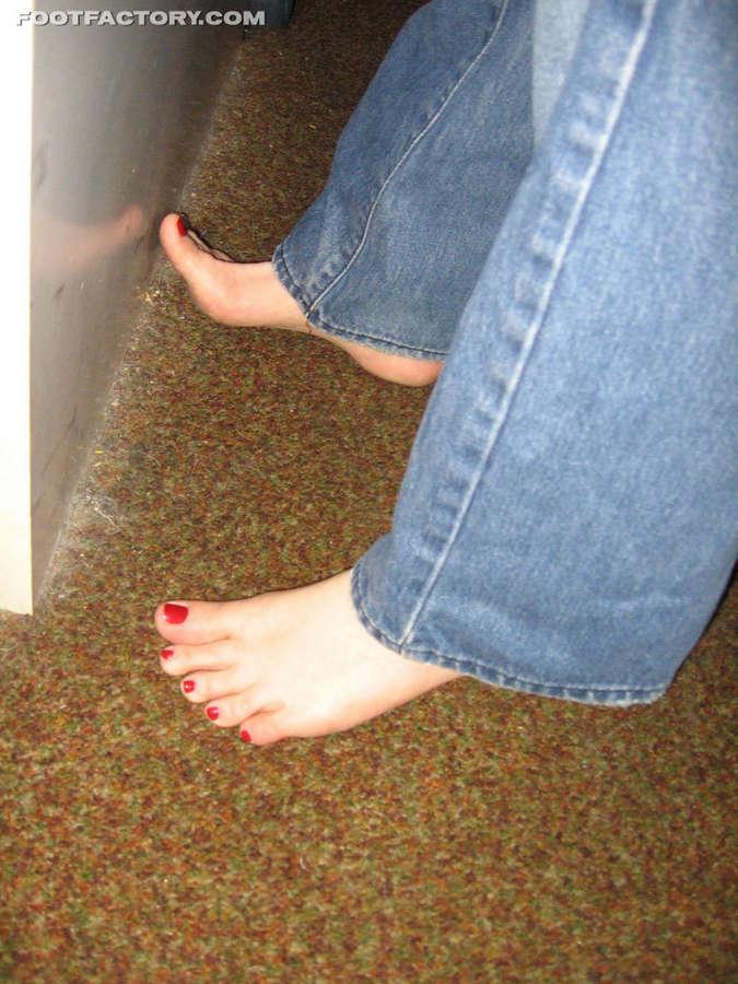 Adrianna Nicole Feet