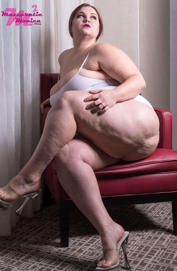 Mazzaratie Monica Feet