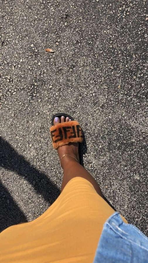 Amara La Negra Feet