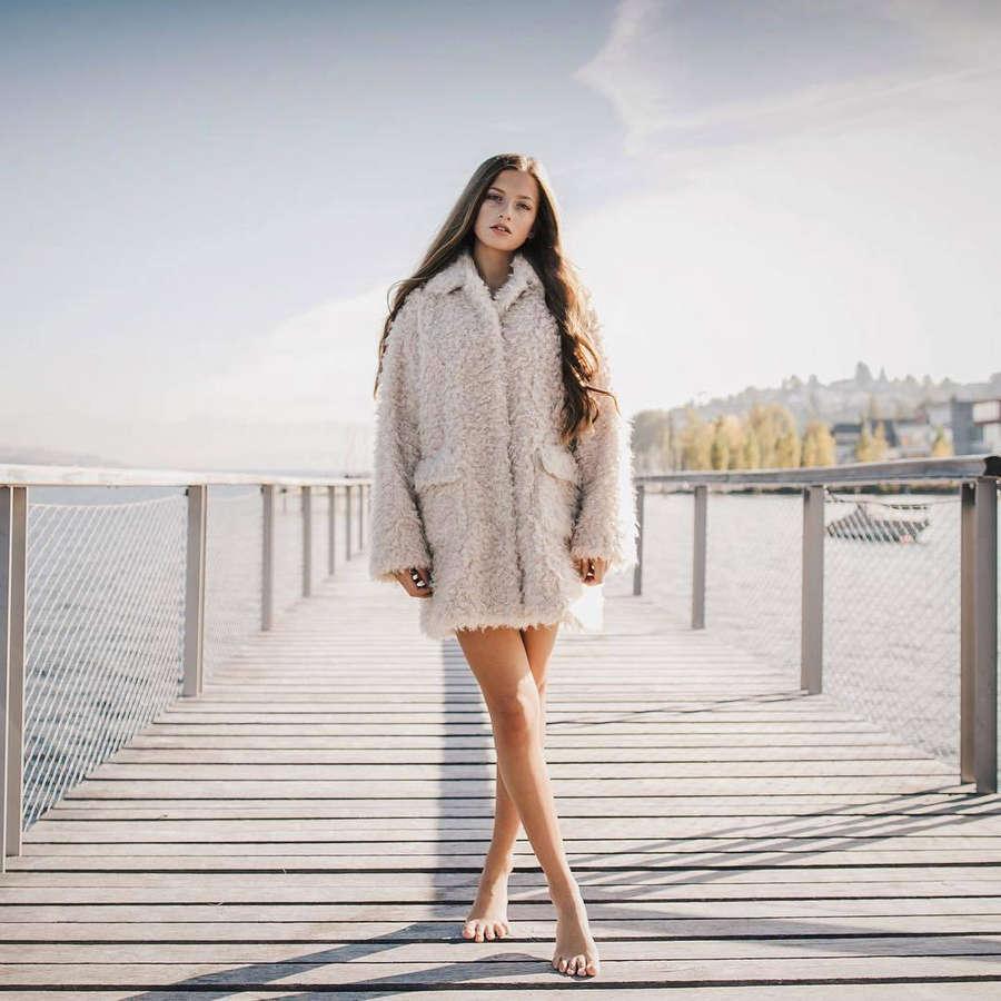 Zoe Pastelle Holthuizen Feet