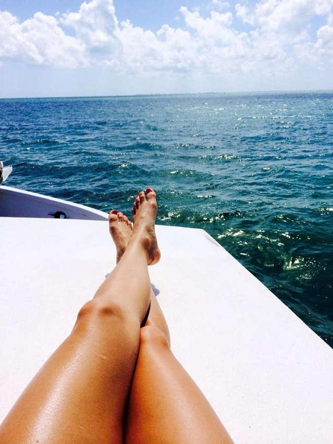 Caitlin Dechelle Feet