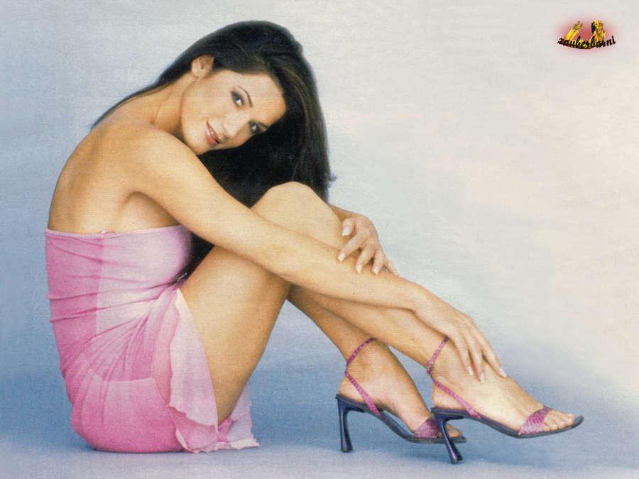 Mariella Ahrens Feet