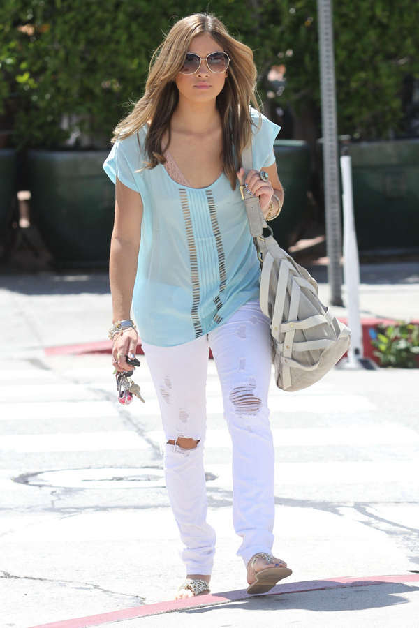 Nicole Gale Anderson Feet