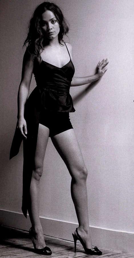 Alice Braga Feet