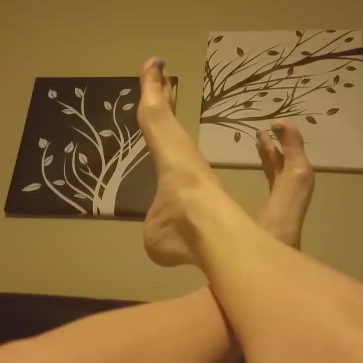 Allura Skye Feet