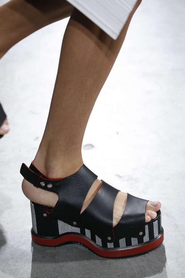 Alice Metza Feet