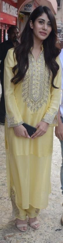Warina Hussain Feet