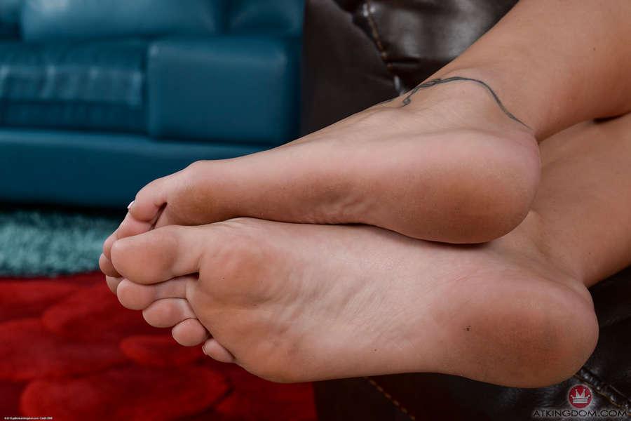 Avery Moon Feet