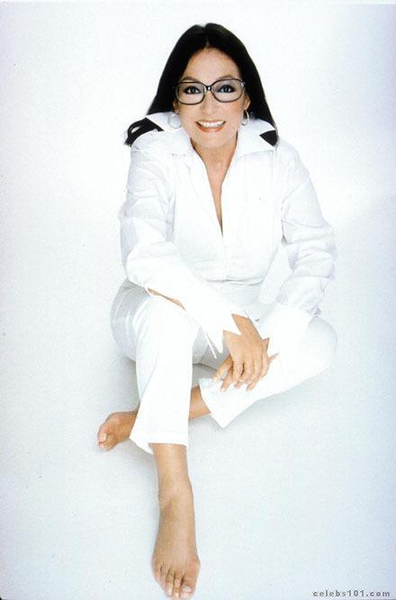 Nana Mouskouri Feet