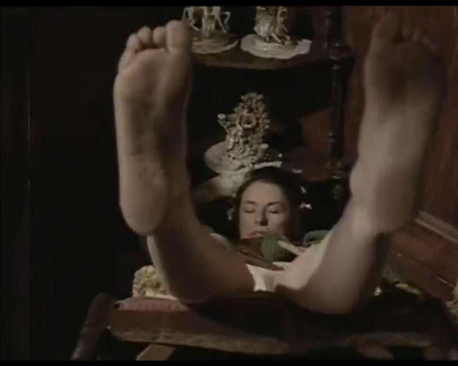 Scottie MacGregor Feet