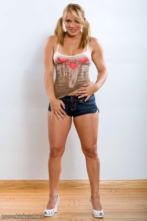 Kirra Lynne Feet
