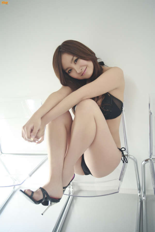 Aya Kiguchi Feet