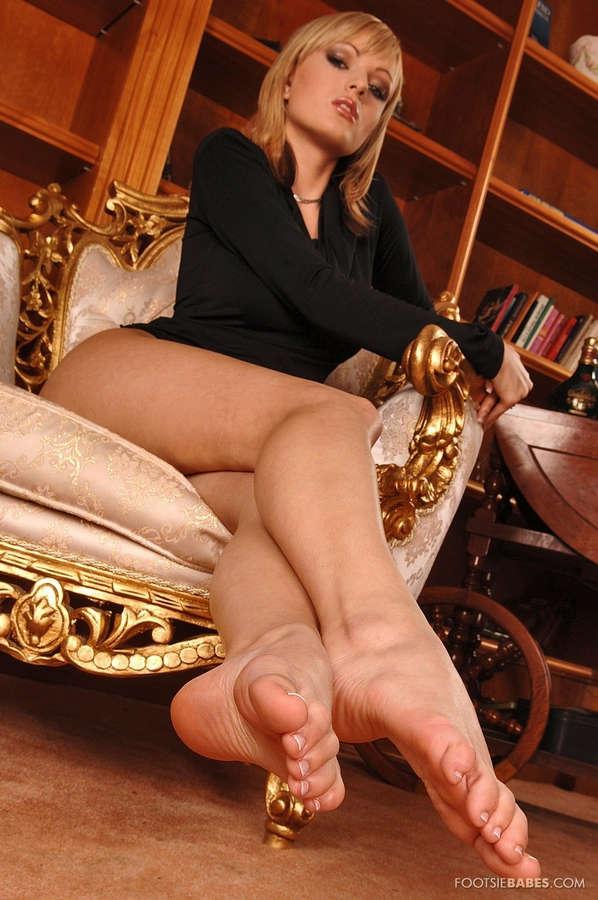 Bianca Golden Feet