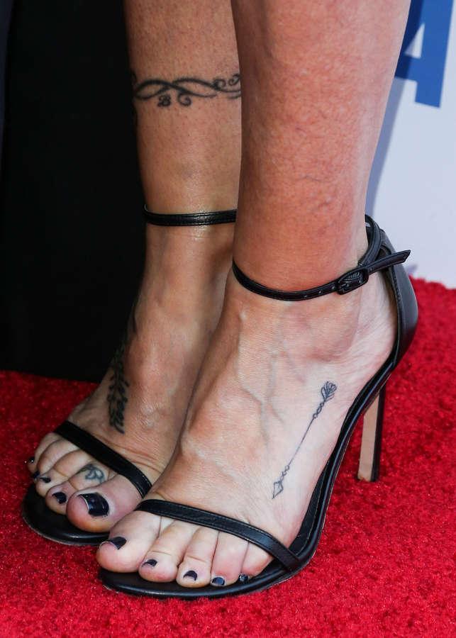 Tish Cyrus Feet
