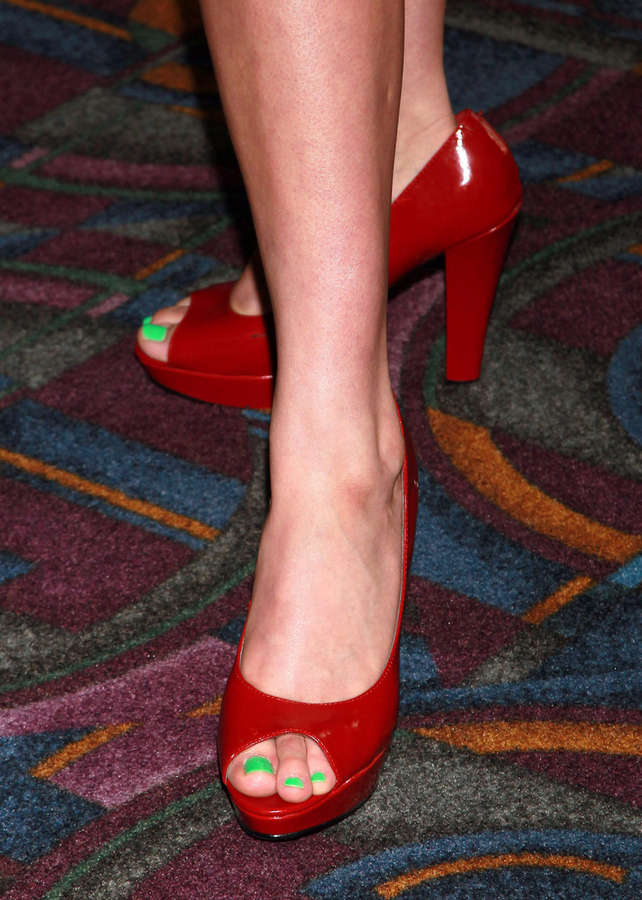 Kat Coiro Feet