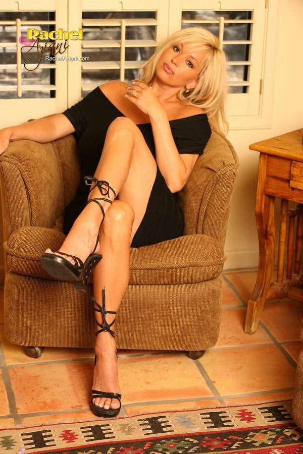 WWE Kelly Kelly ex prostitute?