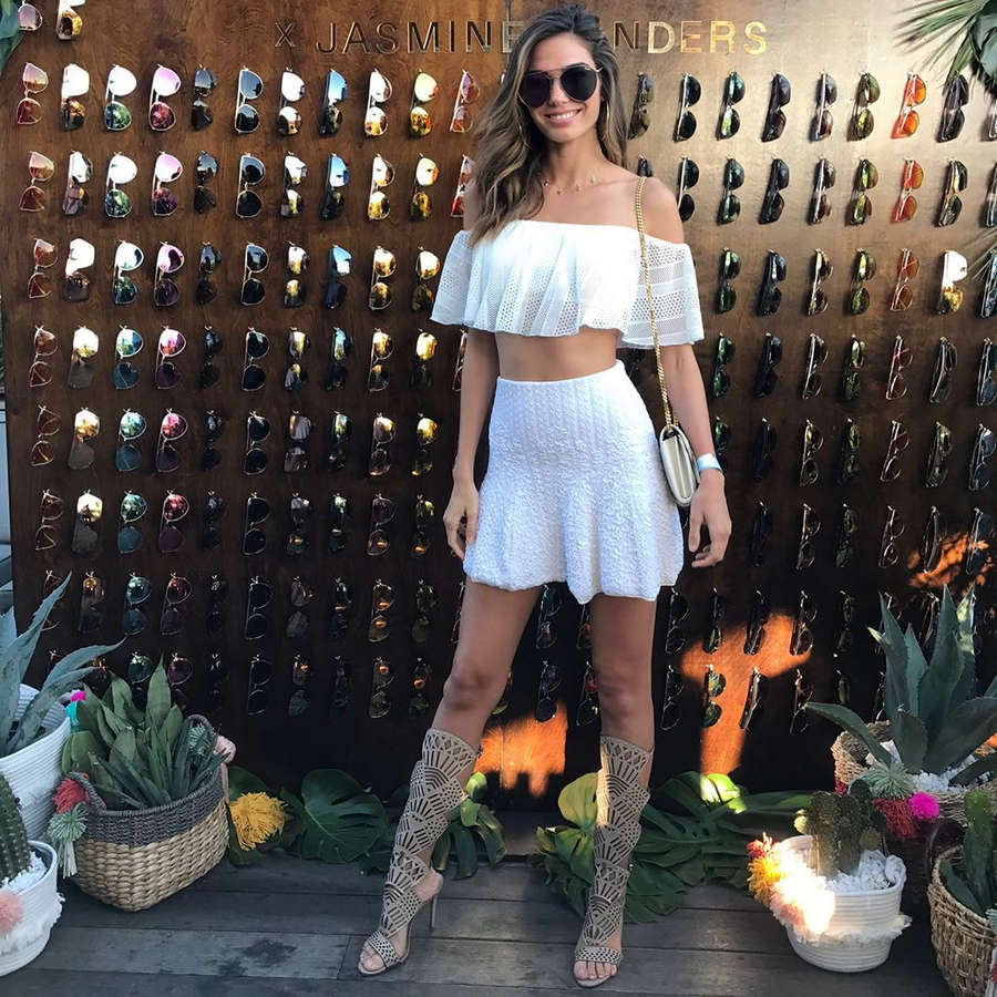 Rachel Vallori Feet