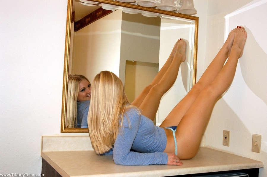 Robyn Bewersdorf Feet