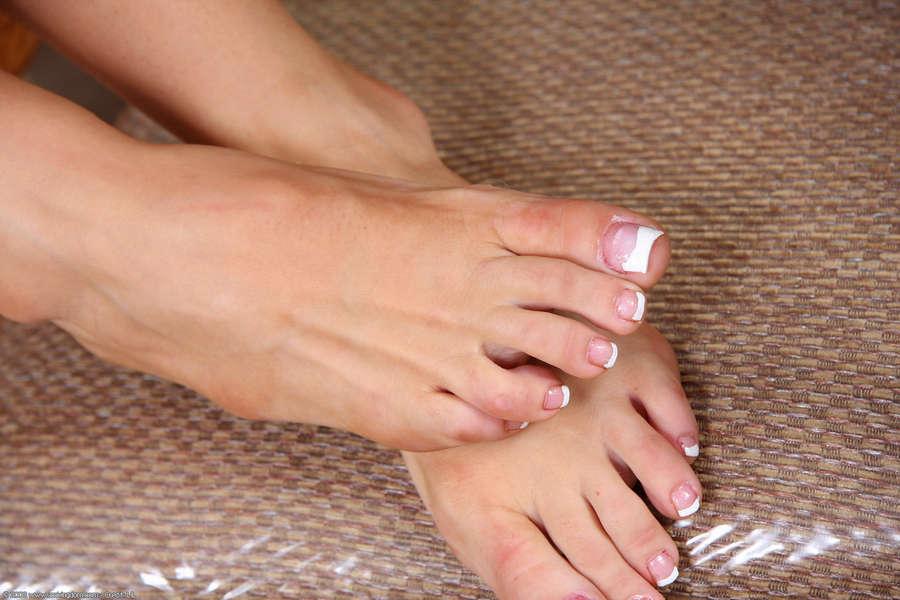 Chanetell Merino Feet
