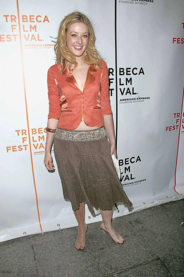 Jennifer Finnigan Feet
