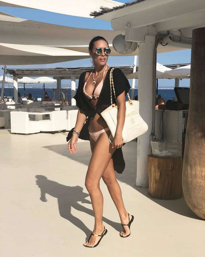Ivana Korab Feet
