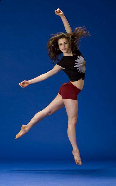 Kathryn McCormick Feet (27 photos) - celebrity-feet.com