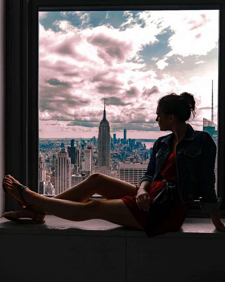 Sophie Skelton Feet