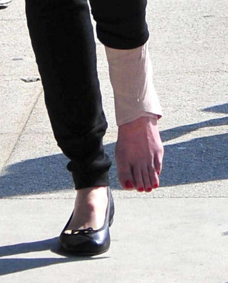 Jackie Sandler Feet