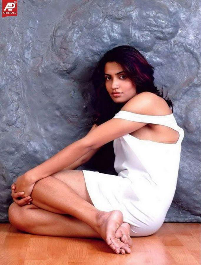 Akshara Gowda Feet