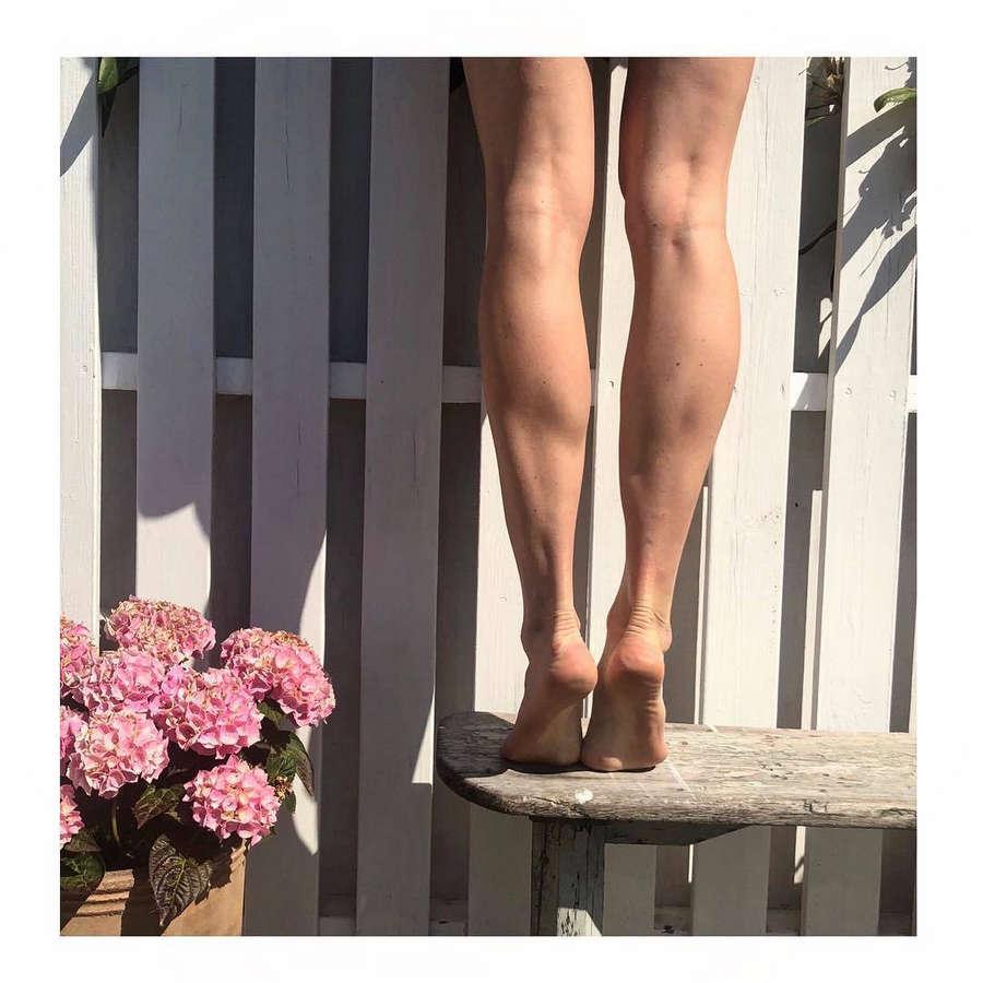 Emma Green Feet