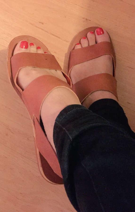 Ignacia Allamand Feet