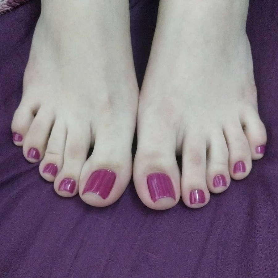 Isa Pes Feet