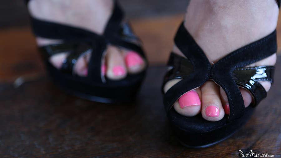 Liza Del Sierra Feet