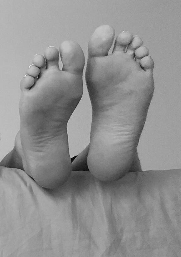 Tamara Gorro Feet