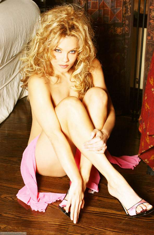 Nicole Wood Feet