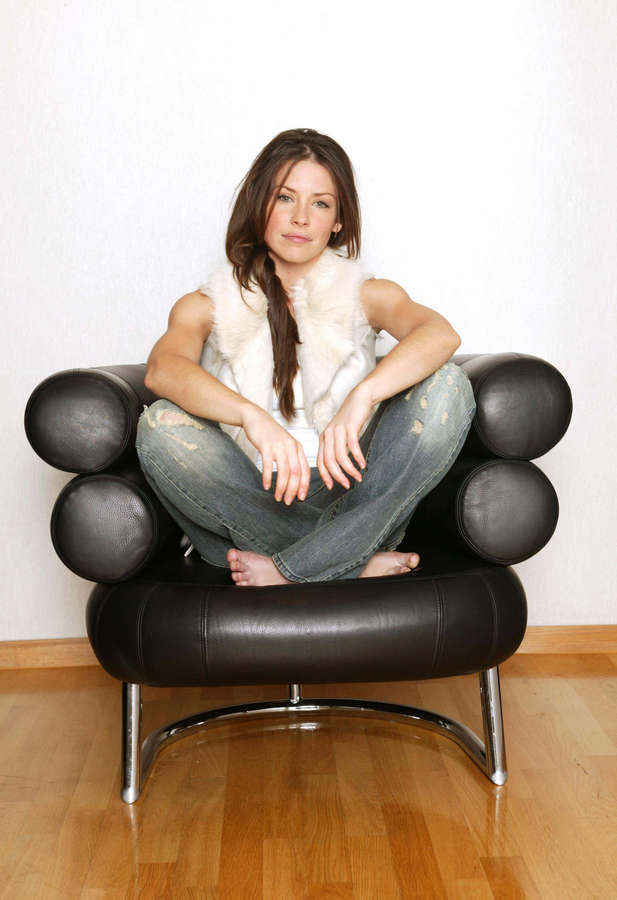 Evangeline Lilly Feet