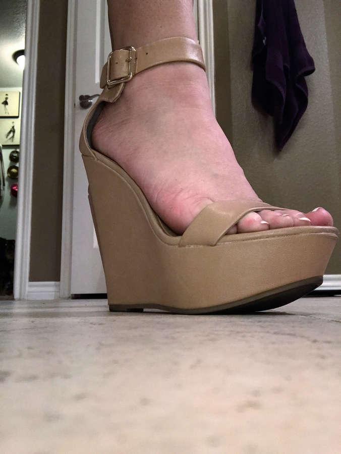 Emily Austin Feet