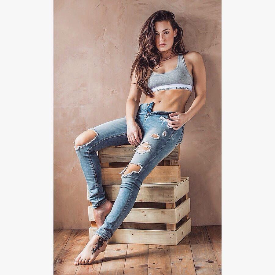 Laura Strauss Feet