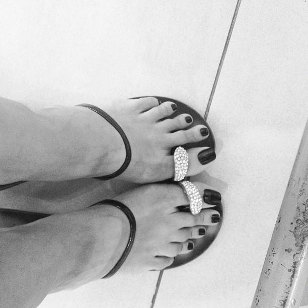 Pinar Tezcan Feet