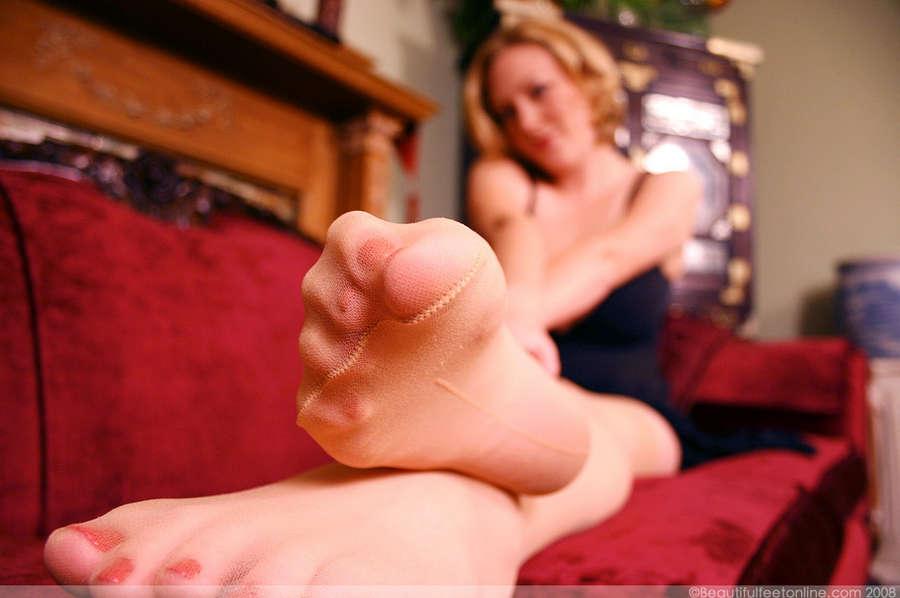 Sabina Leigh Feet
