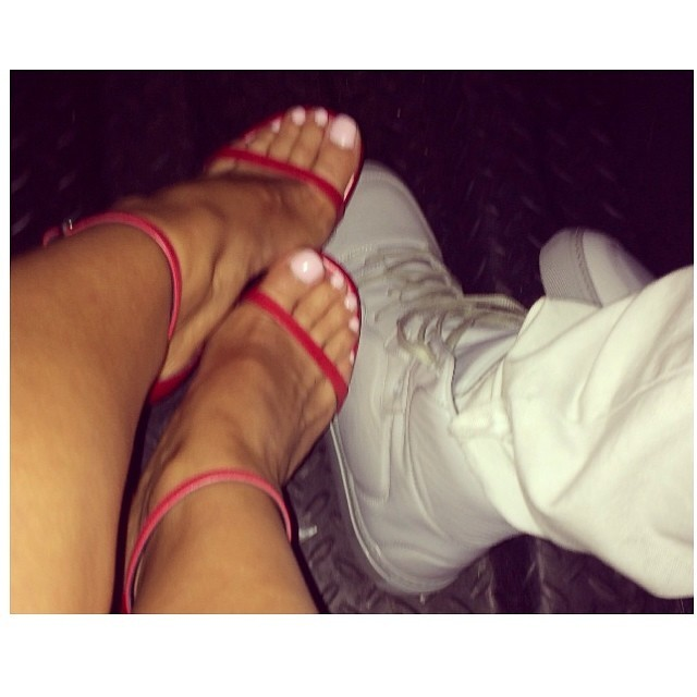 Yesenia Bustillo Feet