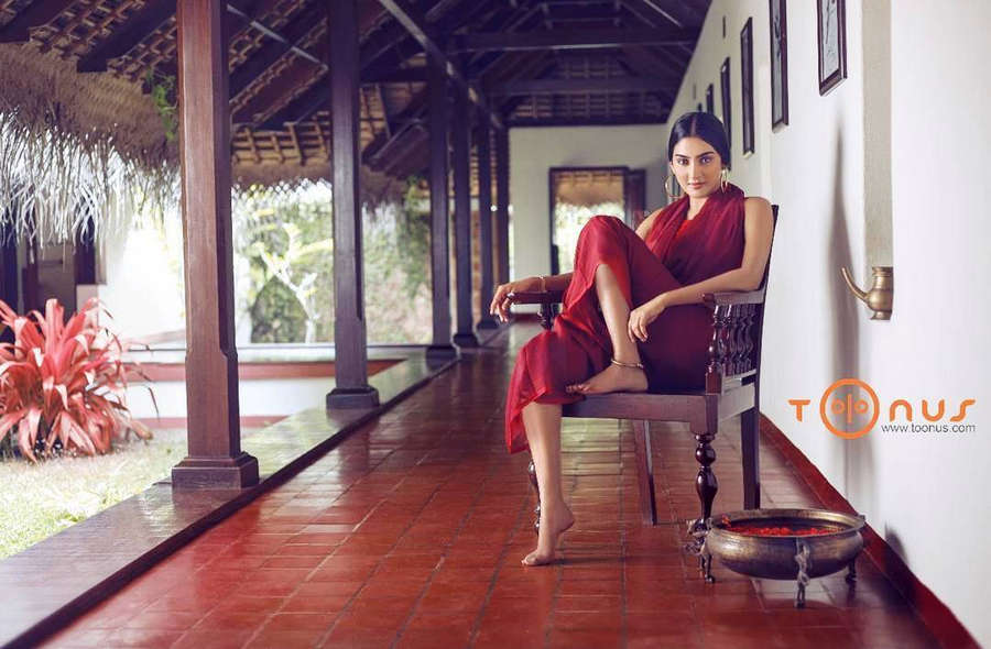 Aditi Ravi Feet
