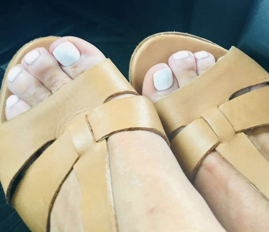 Kate Garraway Feet