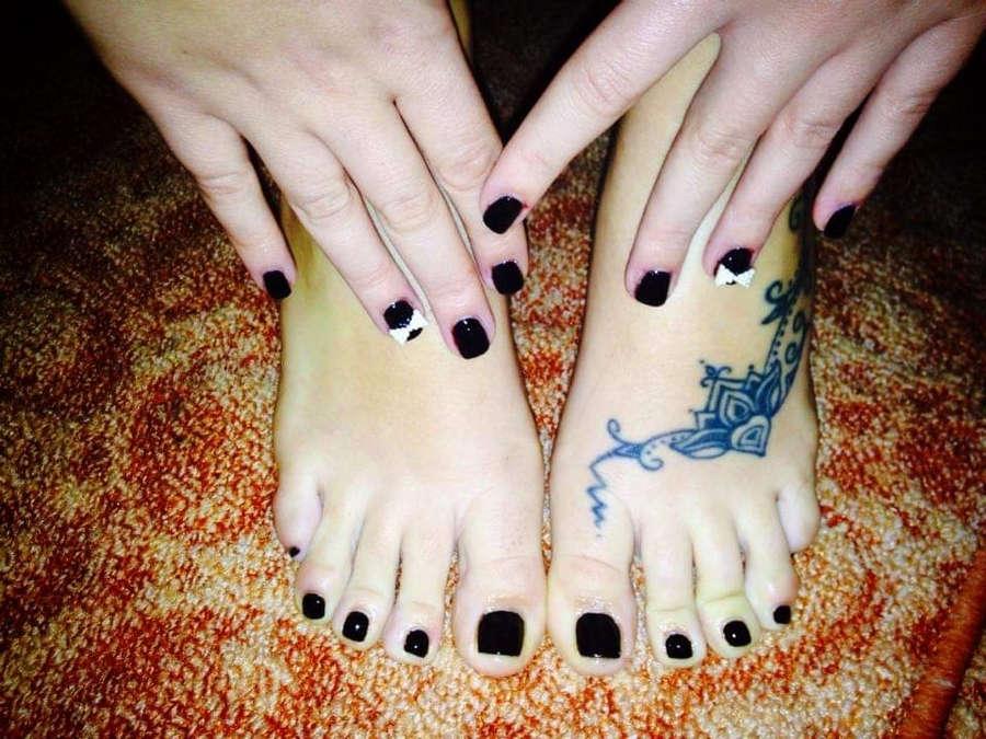 Marianna Katsoulia Feet