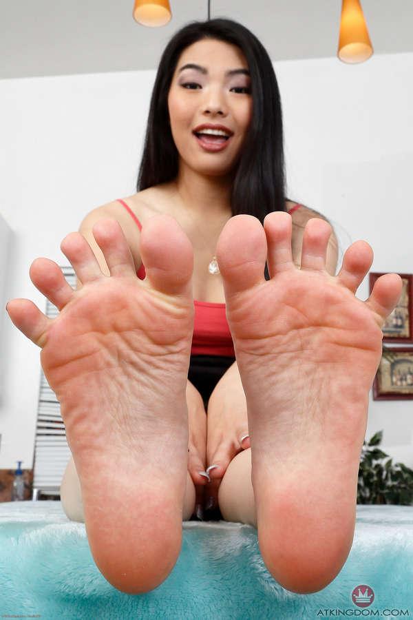 Nari Park Feet