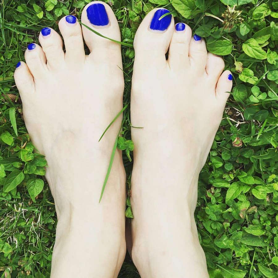 Verta Feet