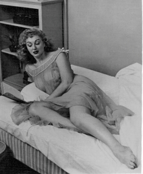 Lynne ONeill Feet