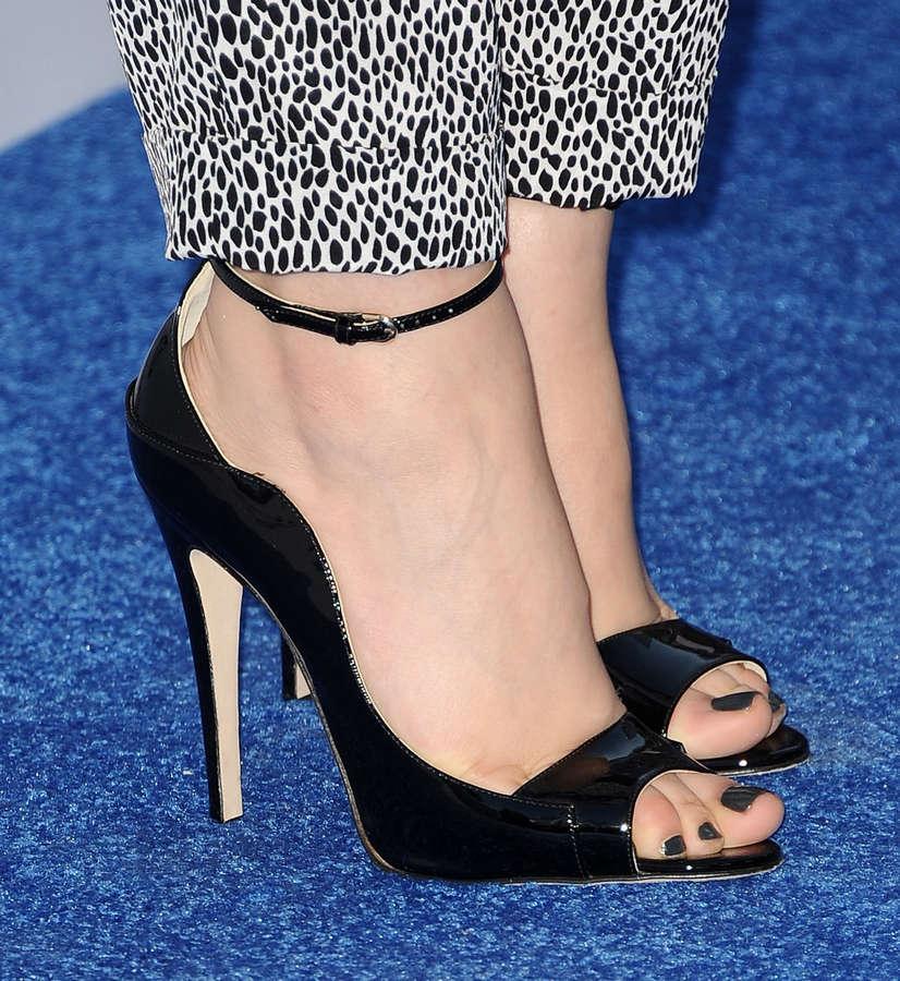 Ginnifer Goodwin Feet