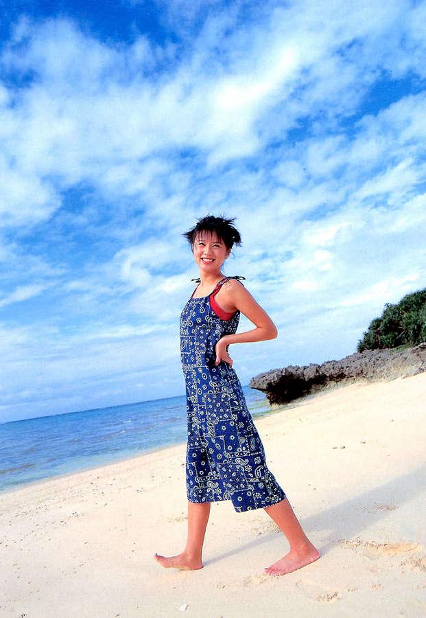 Ami Suzuki Feet