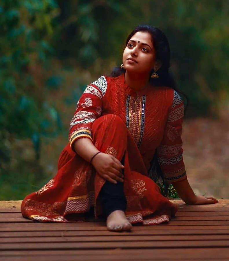 Anu Sithara Feet
